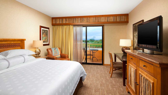 Grand Deluxe room at Sheraton Grand at Wild Horse Pass. Photo courtesy of Sheraton Grand