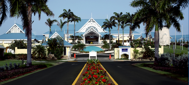 Entrance to Magdalena Grand. Photo courtesy of Magdalena Grand Beach & Golf Resort
