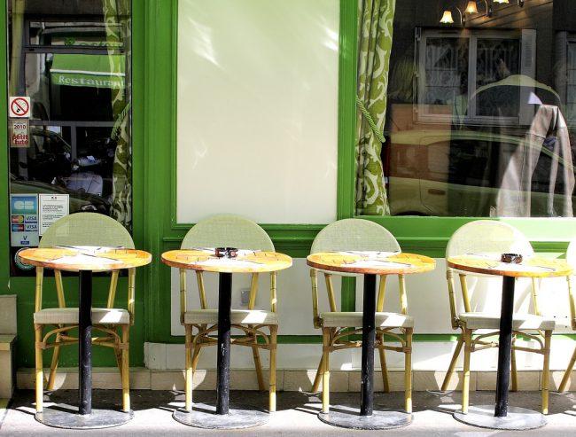 A cafe along Rue Daguerre. Flickr/Jean-François Gornet