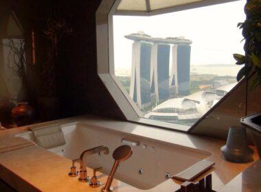 Ritz Suite bathtub