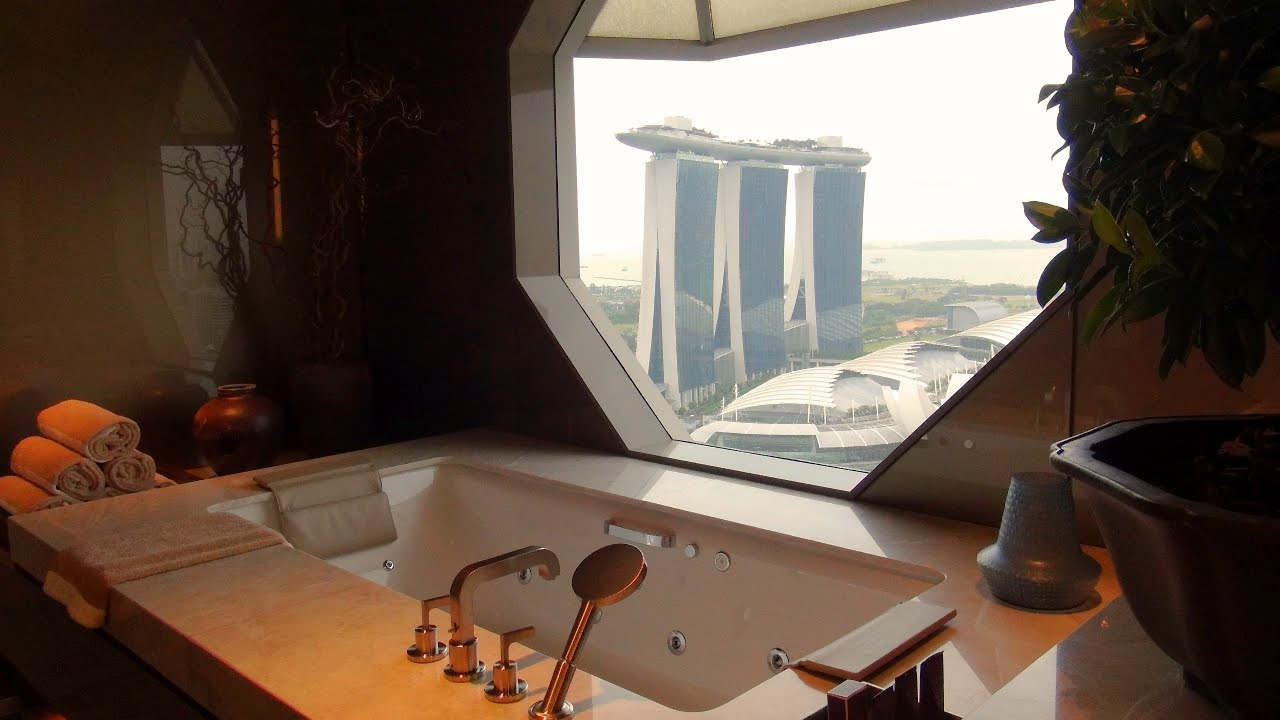 Luxury in Singapore - The Ritz Suite at The Ritz-Carlton in Marina Bay
