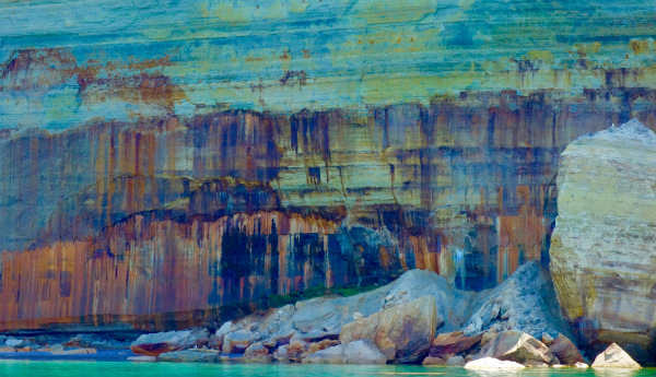Pictured Rocks, Details of the rocks. Photo by Kelsey Dean