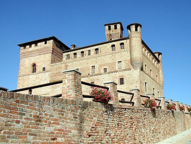 Piedmont. Castello Grinzane. Photo by Victor Block