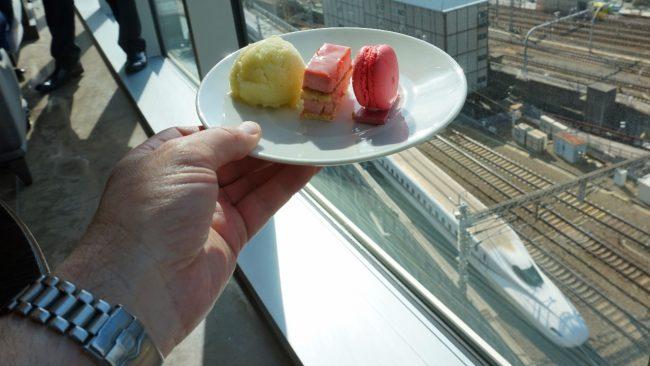 Four Seasons Tokyo MOTIF dessert