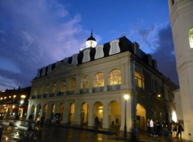 New Orleans State Museum at night. Photo by Flickr/Axel Magard