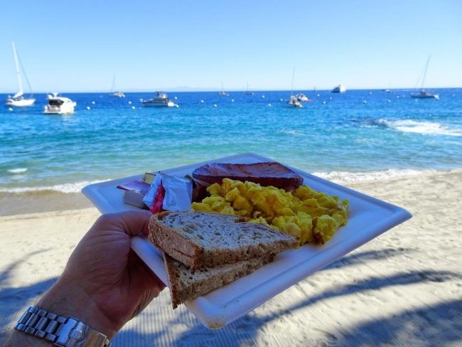 Breakfast at the beach