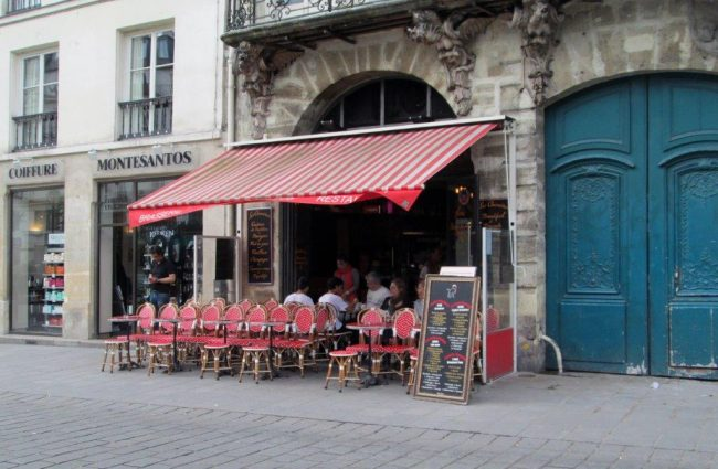 A cafe in Le Marais. Photo by Victor Block