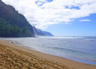 Kee Beach in Kauai. Flickr/Peter Burka