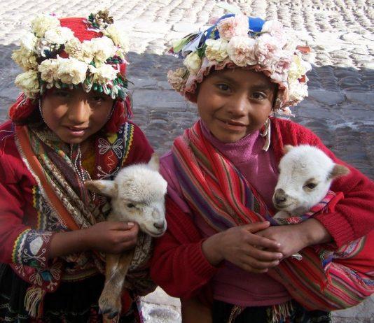 Local girls in Peru. Photo by Carol Bowman