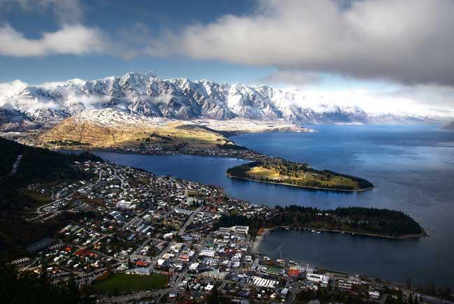 Queenstown, New Zealand. Flickr/Bernard Spragg. NZ
