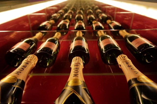 Wall of Moet