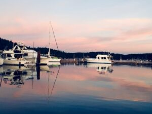 Sleeping on The Wharfside, Floating Bed and Breakfast Docked on San Juan Island