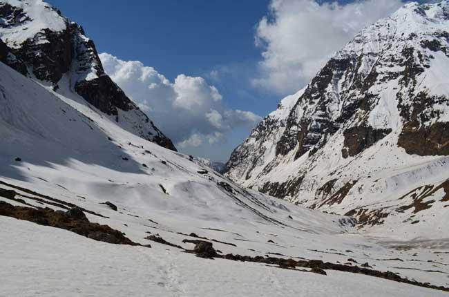 On the Pindari Glacier Trek. Flickr/Laura7581