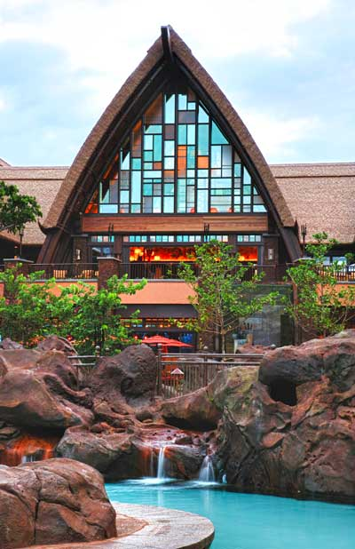A view of Maka`ala Lobby from Waikolohe Valley. ©Disney