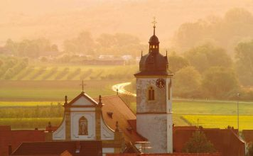 Franconia has a long history of wine making. Photo by FrankenTourimus/FWL/Hub