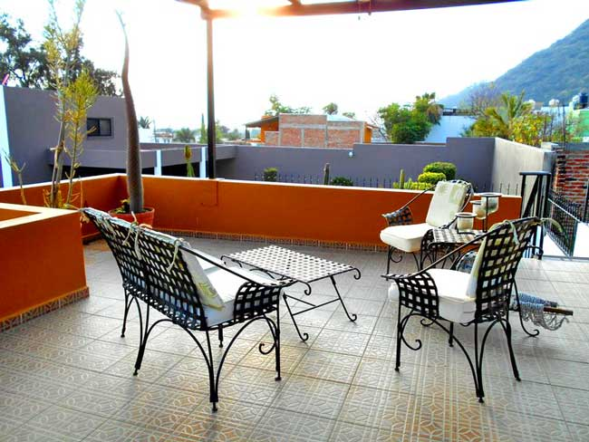 Enjoying the terrace at my home in Lake Chapala, Mexico. Photo by Carol L. Bowman