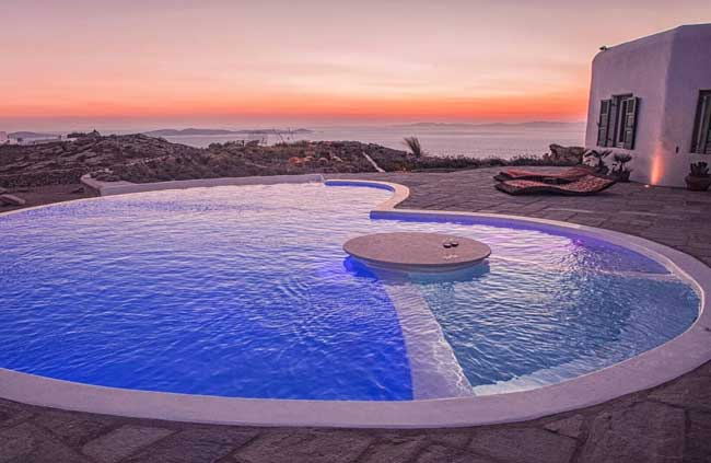 Villa Romantica is a luxury villa in Mykonos, Greece.