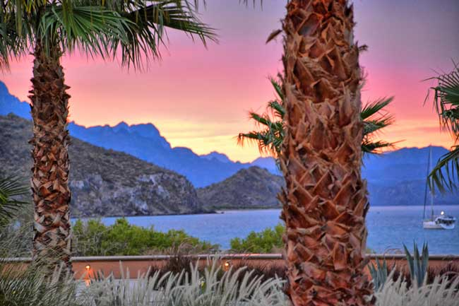 Sunset over the Sea of Cortez atVilla del Palmar at The Islands of Loreto. Flickr/Kirt Edblom