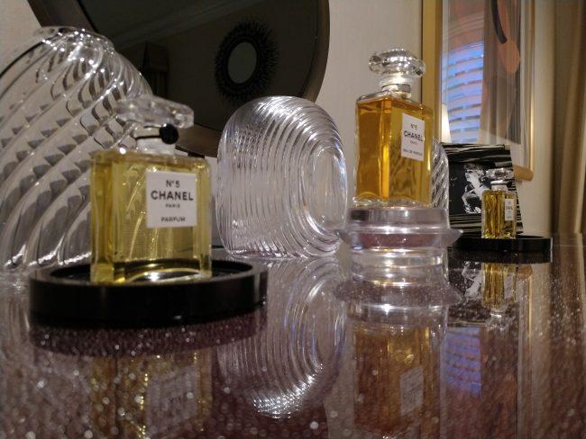 CHANEL fragrance bar