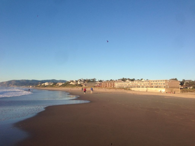 beach, lincoln city, oregon, road trip, small town
