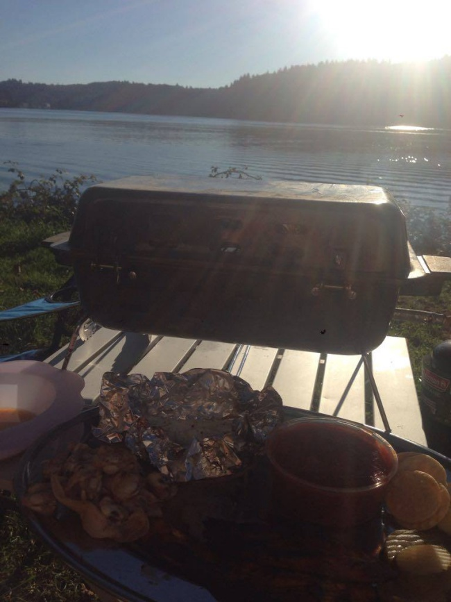 barbecue- fresh fish- sawyers landing RV park- yaquina bay- newport - oregon- camping- traveling to mexico