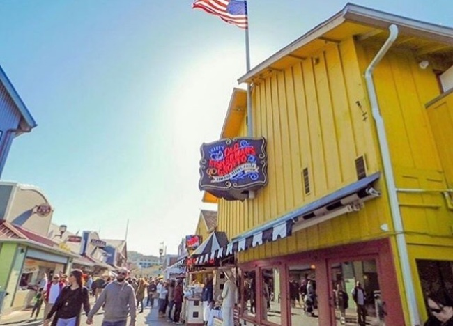 old fisherman's wharf-restaurant-old fishermans grotto-monterey-california-seafood-road trip-canada to mexico