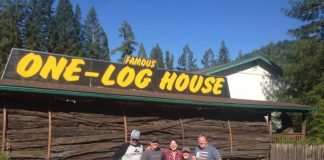 log house- tourist attraction- garberville-california-redwoods-travel-USA