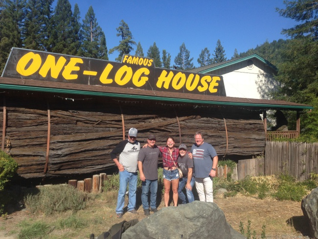 log house- tourist attraction- garberville-california-redwoods-travel-USA