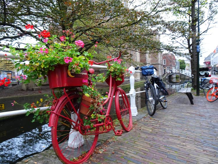 Picturesque canals in Delft, Netherlands. Photo by Janna GraberPicturesque canals in Delft, Netherlands. Photo by Janna Graber