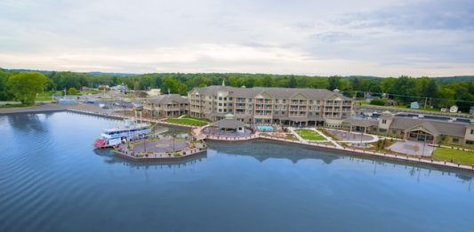 Chautauqua Harbor Hotel: Western NY Lakeside Destination