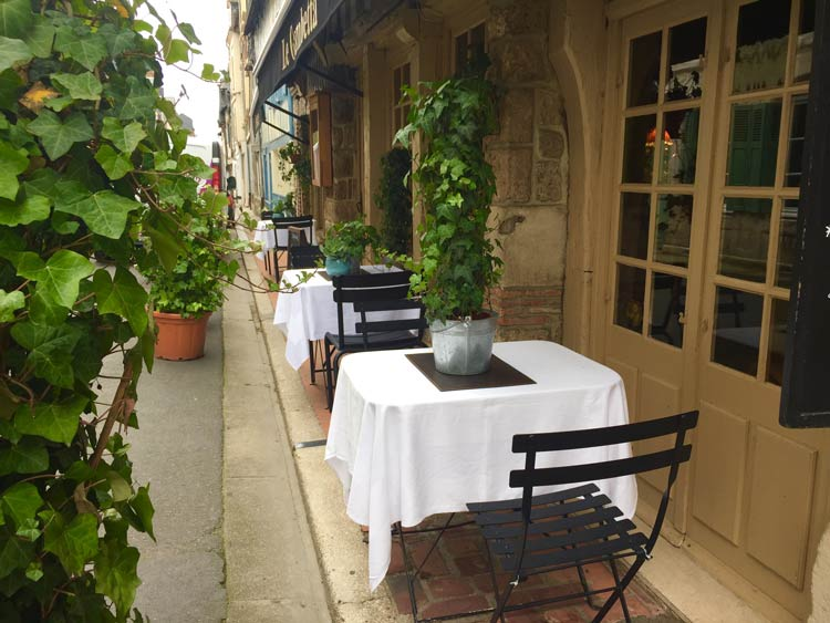 Dining in France. Photo by Janna Graber
