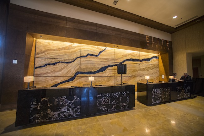 Front desk in the lobby. Photo courtesy of Gaylord Rockies