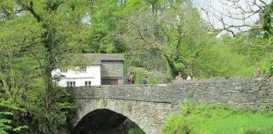 England's Lake District: The Best of Nature and Nostalgia