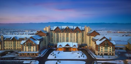 Gaylord Rockies: Mountain-themed Resort Near Denver Airport