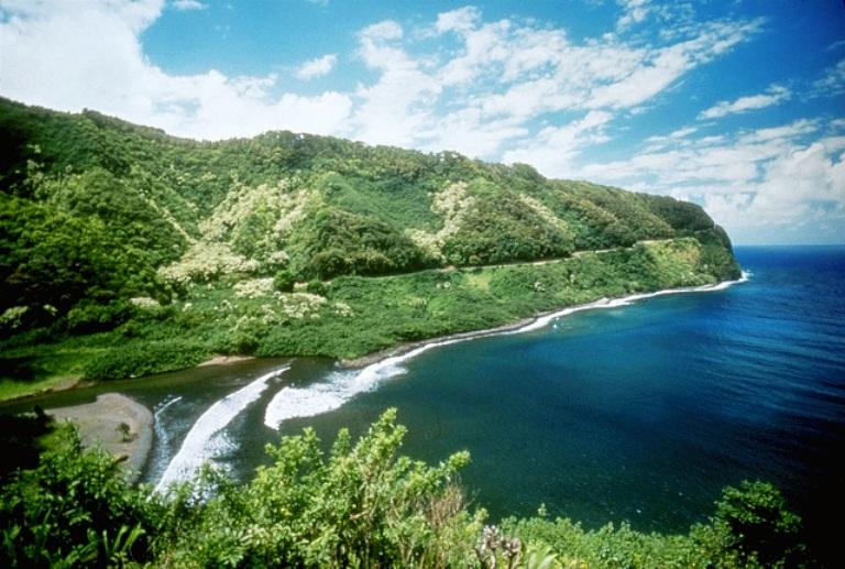 Hana Highway in Maui, Hawaii. Photo by Maui CVB