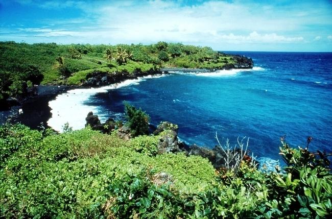 Black Sand on Waianapanapa Beach on the Road to Hana, Maui Hawaii. Photo by Maui CVB