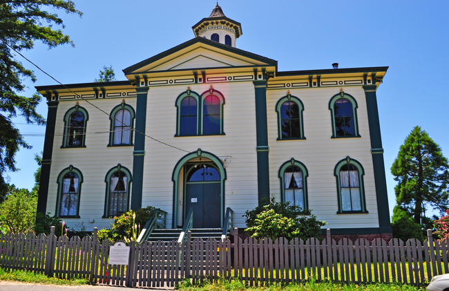 "The Potter School building in California, site of a frightening scene in ""The Birds"". Photo by Vampy1/Dreamstime.com"