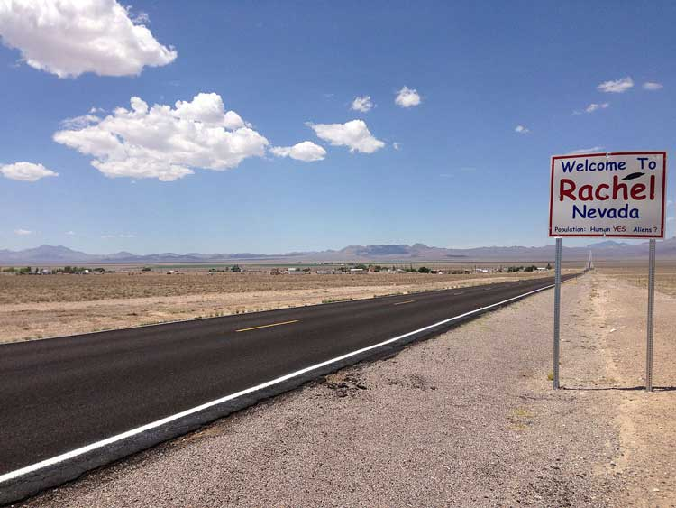 Road trip in Rachel, Nevada