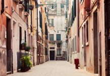 Learning Italian in Perugia: Eat, Conjugate, Order an Aperitivo
