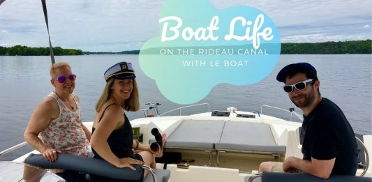 Cruising the Rideau Canal in a Luxury Le Boat Houseboat