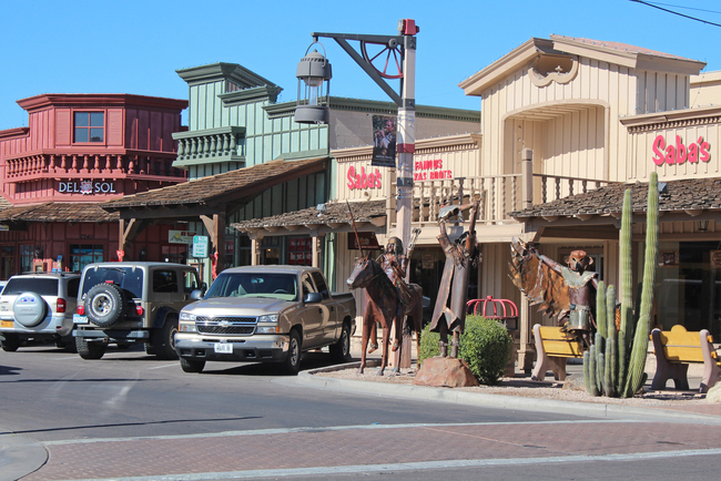 Shopping in Scottsdale, Arizona Ranges from Casual Cowboy to Chic. Photo by Bambi L. Dingman/Dreamamericansstime.com