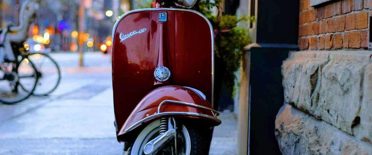 Exploring Italy by Vespa