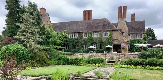 English Holiday: A Journey to Four Historic Towns