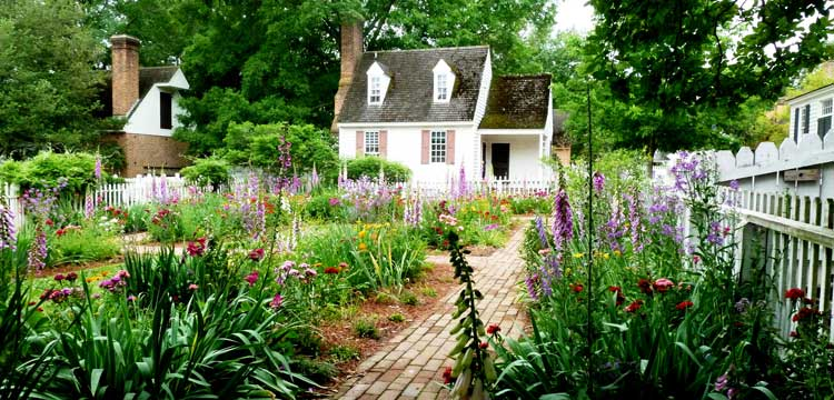 Colonial Williamsburg is the 1770 capital of Virginia, transported to the 21st century with gardens and brick sidewalks and hundreds of original and reconstructed buildings from the 1700s.