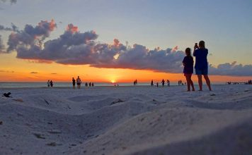 Bradenton Beach on Anna Maria Island. Photo by Janna Graber