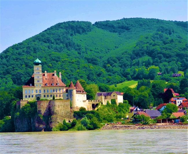 Typical scenery from the Danube River cruise ship. Photo by Victor Block