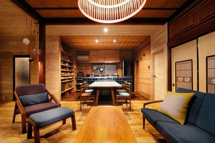 Inside of BnC TATEGU-YA