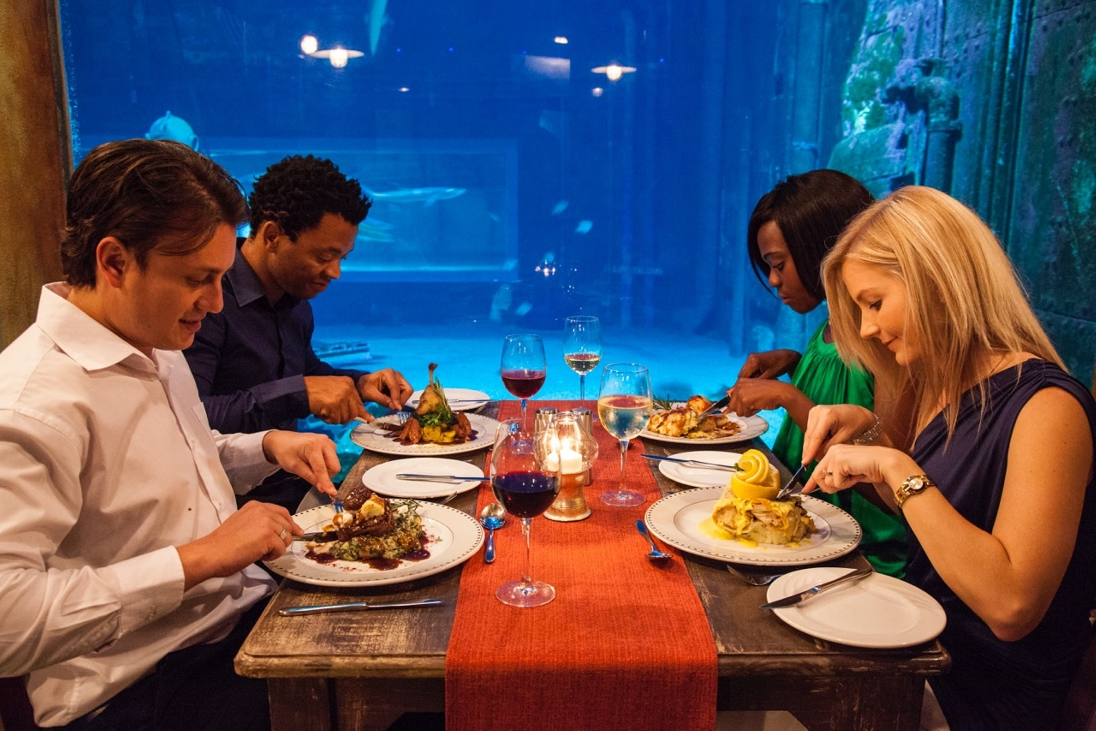 Dining at Cargo Hold gives you a feeling as if you are right in the ocean with the marine life - Photo supplied by uShaka