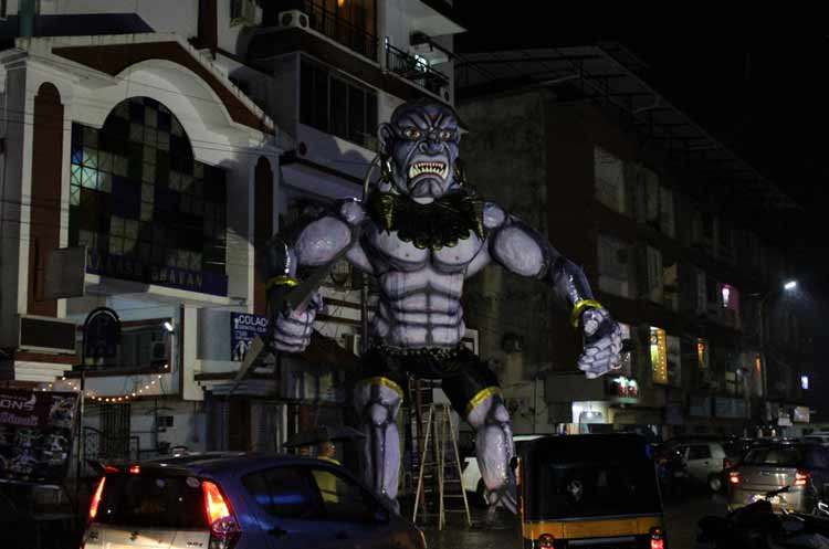 Effigy hopping in Panjim