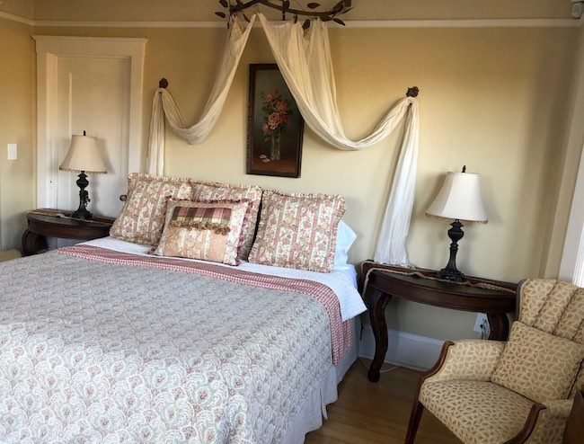 One of the bedrooms in Edna Suite. Photo by Claudia Carbone